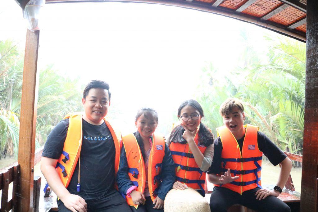 Gia đình Quang Lê cùng check in sông nước xứ dừa- Du lịch C2T - Bến Tre
