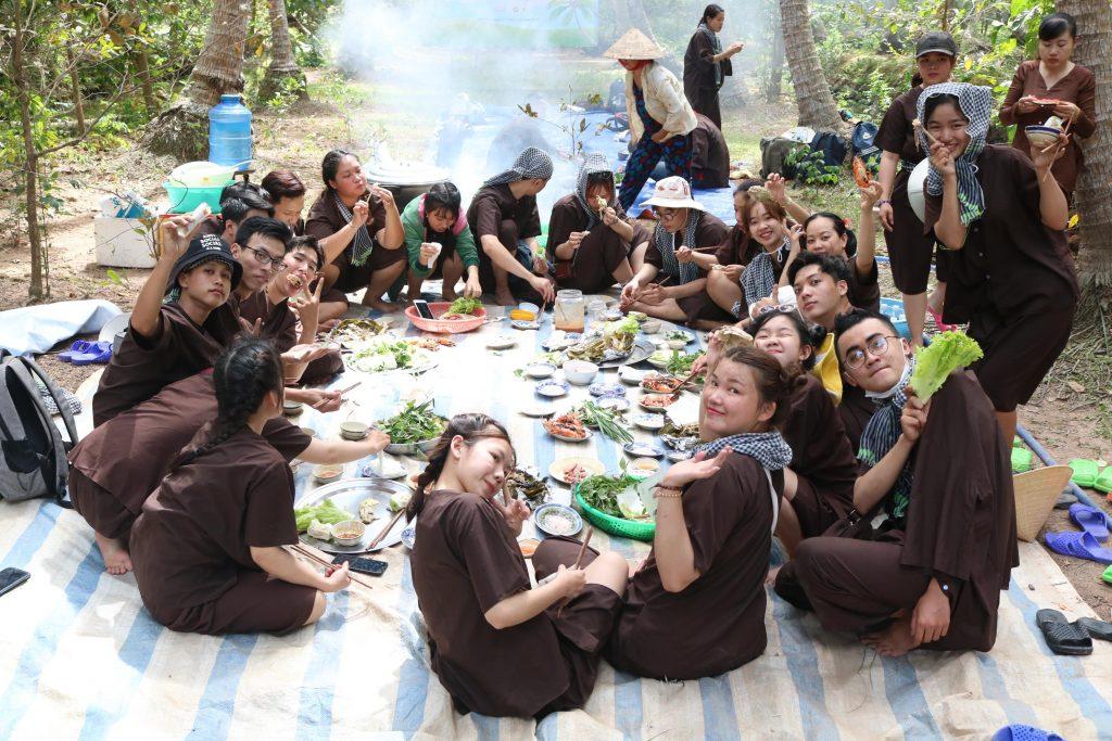 Tour du lịch Đồng Khởi huyện Mỏ Cày Nam với tiệc BBQ